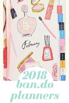 This bright and girly 2018 planner is for sure going on my christmas list! I love how its organized and still small enough to travel with