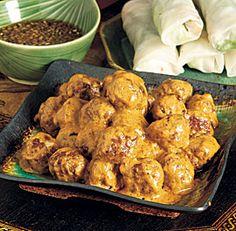 meatballs+in+peanut+curry+sauce