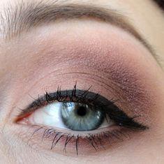 Seductive look for blue eyes w/ MAC eyeshadows.