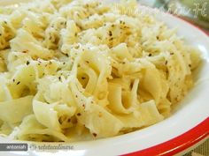 Tagliatelle cu Sos de Usturoi - Reteta Saptamanii este prezentata de antoniah I have no idea what that says, but it looks delicious! Other Recipes, Noodles, Macaroni And Cheese, Ethnic Recipes, Food, Macaroni, Mac And Cheese, Noodle, Meals