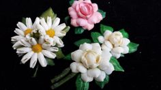 Vintage 1950s Sea Shell Hand Painted Flower Estate Pins Lot