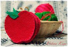Felt apple cupholders & Keçe elma bardak altlıkları