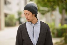 Gradient beanie made from 100% Cotton, available in black, burgundy and blue #japanesefashion #fashion #japanese #japanesemodel #mensfashion #beanie #mensbeanie
