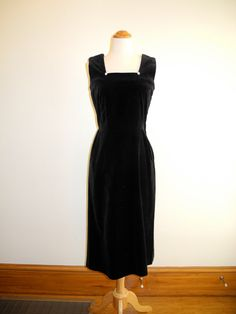 Black VELVET 50s wiggle dress with RHINESTONE buttons sz. XS / Small