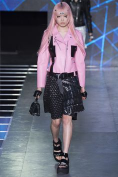 5 New Louis Vuitton Models Who Debuted at Paris Fashion  Week - Vogue Pink Ladies pledge: to look cool.