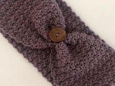 Stirnband gehäkelt / Headband crochet | Etsy Vintage, Crochet, Handmade, Etsy, Accessories, Headband Crochet, Gifts, Hand Made, Crochet Crop Top