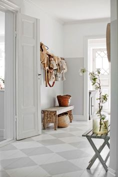 Hallway – Home Decor Designs Decor, Home Decor Styles, Hall Flooring, Decor Design, Scandinavian Interior Design, Home Decor, House Interior, Home Deco, Modern Kitchen Design