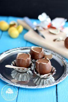 Nutella-vaahdolla täytetyt suklaamunat