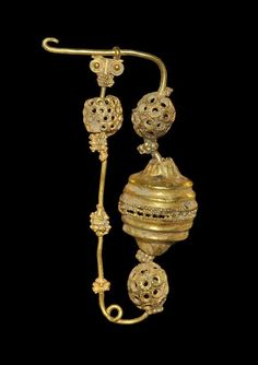Roman Gold Filigree Bulb Earring    1st century AD . A high quality Type I earring comprising a wire loop with three small filigree bulbs, granulated collars and a large ribbed bulb with median granulated ban