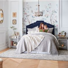 Sundays are the perfect day to stay in bed and cuddle up with all your favorite things. Handmade Home Decor, Cheap Home Decor, Feng Shui, Shelf Furniture, Home Decor Pictures, Cozy House, Home Decor Accessories, Home Decor Inspiration, Decoration
