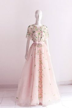 Fashion Tips For Girls .Fashion Tips For Girls Pretty Outfits, Pretty Dresses, Beautiful Outfits, Dress Outfits, Dress Up, Fashion Dresses, Dress Shoes, Shoes Heels, Quinceanera Dresses