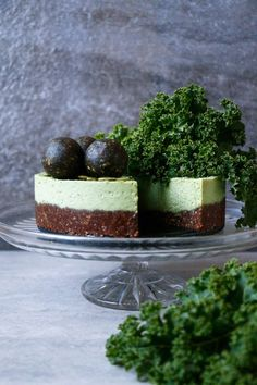 Kale Chocolate Vegan Cheesecake (grain-free & raw)