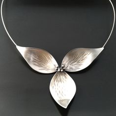 Trillium Necklace All Silver