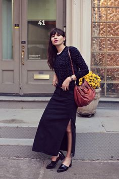 Natalie from Natalie Off Duty in the Strut Cutout Chelsea Boot Long Fringe Hairstyles, Natalie Off Duty, Androgynous Look, Conservative Fashion, You Look Pretty, Street Style Summer, Love Fashion, Fashion Trends, Urban Chic