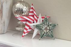 How to fold a 5 pointed origami star with step by step photos. An easy way to make beautiful Christmas star decorations. Origami Christmas Ornament, Christmas Art, Origami Ornaments, Christmas Design, Origami Star Box, Origami Easy, Origami Bird, Origami Folding, Origami Design