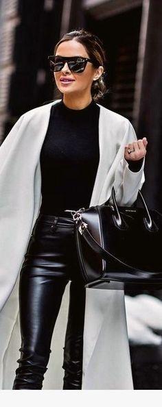 Cute 55 Leather Pants Outfits Women's Fashion Trends Cute 55 Leather Pants Outfits For other … Estilo Fashion, Fashion Mode, Look Fashion, Ideias Fashion, Winter Fashion, Fashion Outfits, Womens Fashion, Fashion Black, Fashion Pants