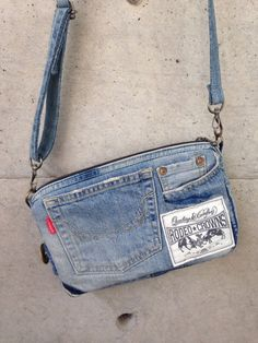 Best 12 Hobo denim bag made from recycled jeans with pockets and l – SkillOfKing. Mochila Jeans, Blue Jean Purses, Denim Purse, Denim Bags From Jeans, Denim Handbags, Denim Ideas, Denim Crafts, Love Jeans, Fabric Bags