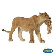 Papo product 50043 - Lioness with Cub animal toy figurine. Inagine in this model Sarabi with baby Simba - the Lion King character figure Figurine Papo, The Lion King Characters, Baby Simba, Toys R Us, Animal Action, Lion Cub, Plastic Animals, Jungle Animals, Wild Animals