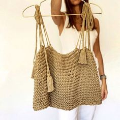 Crochet Girls, Diy Crochet, Crochet Bikini, Crochet Top, Crochet T Shirts, Crochet Clothes, Top Crop Tejido En Crochet, Knitting Patterns, Crochet Patterns