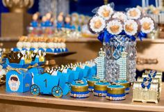 Caixinhas 2 - Ideias Festa Príncipe Arthur Prince Arthur, Prince Party, Royal Prince, 1st Birthday Parties, Mom And Dad, Candy, Rei Arthur, Toddler Boy Birthday, One Year Anniversary
