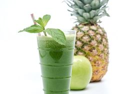 Kale, Pineapple and Mint Green Juice