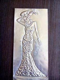 La cajita de las artesanías: Cuadro de mujeres africanas en estaño (en proceso)...