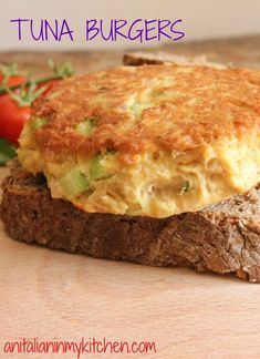 Tuna Burgers, who needs meat when these Tuna Burgers become the best burger ever. Not only delicious but healthy too! Tuna Recipes, Burger Recipes, Seafood Recipes, Cooking Recipes, Healthy Recipes, Fish Dishes, Seafood Dishes, Tuna Dishes, Health Desserts