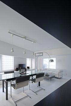 Trendy Wohnung in Schwarz und Weiß: Room 407 Projekt in Tokyo ...