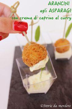 Arancini agli asparagi con crema di caprino al curry #fingerfood