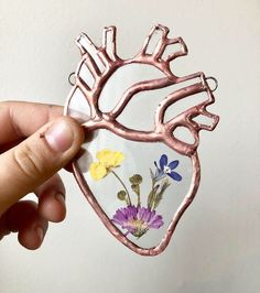 Small Clear Stained Glass Anatomical Heart with Real Pressed Flowers or Ferns - Here is a unique and beautiful gift perfect for the ones you love, or simply as a gift for yourself - Tiffany Stained Glass, Stained Glass Lamps, Stained Glass Windows, Fused Glass, Window Glass, Blown Glass, Broken Glass Art, Sea Glass Art, Glass Wall Art