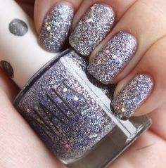 Boy am I a sucker for glitter. Gorgeous Nails, Love Nails, How To Do Nails, Pretty Nails, My Nails, Crazy Nails, Amazing Nails, Prom Nails, Silver Nail Polish