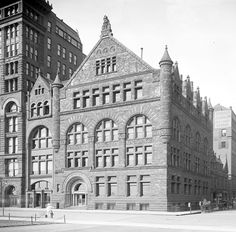 Burnham & Root's Art Institute Building, Chicago