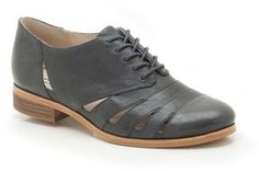 second pair of shoes I do want for Chrismas #wishlist #clarks