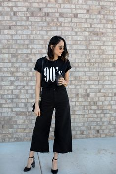 Wide leg pants are a perfect choice for a day-to-night look season after season. Check out these 7 stylish ways to style them. Black Cullotes Outfits, Nude Outfits, Jean Outfits, Fall Outfits, Casual Outfits, Summer Outfits, Wide Jeans, Wide Leg Pants, Wide Pants Outfit