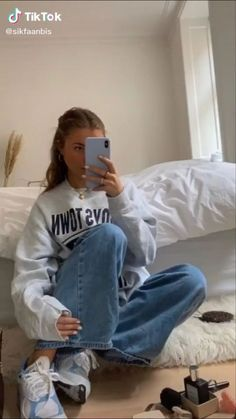 Winter Fashion Outfits, Look Fashion, Teen Fashion, Winter Outfits, Retro Outfits, Cute Casual Outfits, Vintage Outfits, Aesthetic Fashion, Aesthetic Clothes