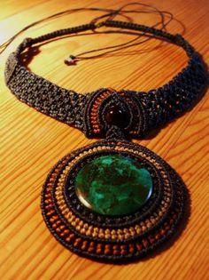 collar de macrame con crisocola(turquesa peruana)  hilo encerado,crisocola peruana,piedra semipreciosa macrame
