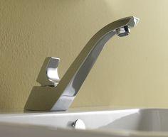 Tosca è la linea di rubinetterie disegnata per Effepirubinetterie ed è ispirata ad un ponte dell'architetto Calatrava. La linea è composta da miscelatore lavabo, bidet, gruppo vasca e doccia.
