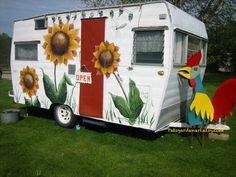 My first year in business, I sold my metal garden art out of my vintage sunflower camper. So FuN ! Patsgardenart.etsy.com Retro Campers, Metal Garden Art, Camper Makeover, Camper Renovation, Remodeled Campers, Garden Theme, Travel Trailers, Farmers Market, Glamping