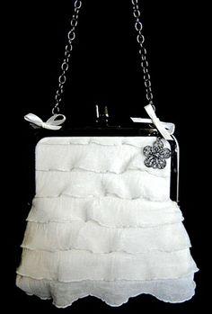 ruffled-purse