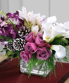 A sweet and luxurious winter bouquet