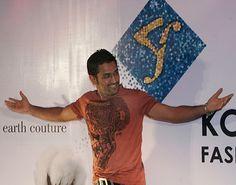 MS Dhoni stirs up the crowd at the Kolkata Fashion Week