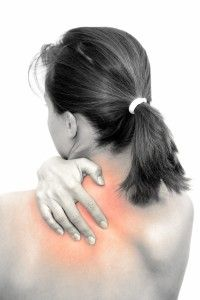 A knot or cramp in your back or between your shoulder blades can cause you significant back pain or discomfort. A massage therapist shares his recommended t Muscle Pain Relief, Back Pain Relief, Knots In Back, Treating Fibromyalgia, Fibromyalgia Treatment, Types Of Muscles, Muscle Knots, Shoulder Knots, Spine Surgery