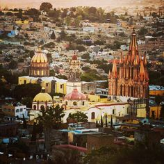 Walking Tours of San Miguel de Allende – A 30 page book of the History, and Step-by-Step instructions for touring this 460 year old Spanish Colonial city, a National Monument. The booklet has a fou…