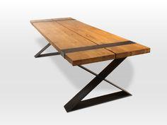 Design-Tisch, Eiche massiv Platte. So einen Esstisch kann man vererben; so stabil und zeitlos vom Design.