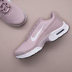 """new styles c0e81 b6937 Nikes nästa """"must have""""  Vi har precis fått in en härligt pale pink"""