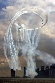 Stunt planes over Lake Michigan, Chicago Air and Water Show