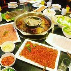 My trip in China  2014 Sichuan Hot Pot, one of the best thing I ever taste. ️ 四川火锅是我最喜欢的中国菜之一 - - - - - - - - - - #china #trip #sichuan #neijiang #hotpot #火锅 #辣椒 #肉 #猪肉 #蔬菜 #吃 #筷子 #鸡蛋 #eggs #pork #beef #fish #spicy #beer #sichuanpepper #sichuanfood #川菜 #中国 #四川 #sesame #fish #travel #yummy #instagood #instafood