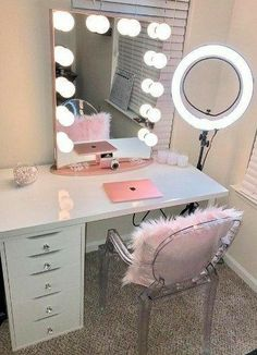 Makeup Room Ideas room DIY (Makeup room decor) Makeup Storage Ideas For Small Space - Tags: makeup room ideas, makeup room decor, makeup room furniture, makeup room design Sala Glam, Vanity Room, Vanity Desk With Mirror, Vanity Set Up, Girls Vanity, Closet Vanity, Ikea Mirror, Girls Mirror, White Vanity