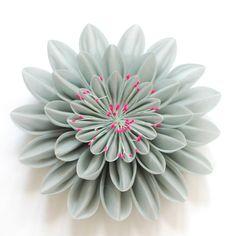 Welcome to Karuna Balloo - horticultrice textile Shibori, Fleurs Kanzashi, Kanzashi Tutorial, Fabric Flowers, Rose, Succulents, Textiles, Crafts, Image