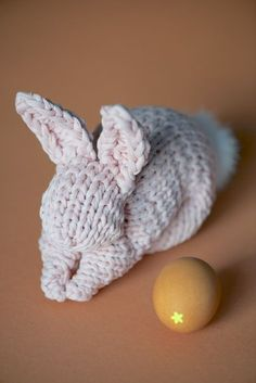 Free tutorial on how to make a bunny with a square of knitted yarn. However, It's so easy with crochet too. Great photo tute, thanks so for sharing xox
